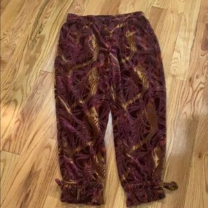 FREE PEOPLE. Baroque velvet jogger with tie ankle